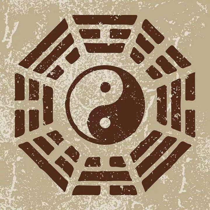 如何从风水上提升你的财运?    声明:风水是中国古代朴素唯物主义优秀传统文化,本文仅仅作为学术交流,不用作任何商业目的。    财在命理学中为养命之源,人这一生和财是密切相关的,人离不开财,没有物质基础就更不能谈精神世界,所以财在当下属于重中之重,特别是在这个物欲横流的社会,显得更加重要,今天我整理了关于如何招财的几个层次,进行探讨和剖析。    1.命中的财    自古总结规律:命里有时终需有,命里无时莫强求。看似很消极,实际上是命运论的阐述,一命二运三风水,人生财富归纳的三大要素,最重要的是在于命。    如李嘉诚,生下来就是巨富的命,有些人劳累终生,不得饱食,说出来很心酸。我在学命理学的时候,也发现人的命在名字中真的是有所注定,这个跟前世修行因果有关,我们在命的层面上不好去改变,就像有些人生下来就是王思聪一样,这就是所谓的命。    2.运    实际上在某种层面讲可以通过后天的努力,达到我们的目的,以简单粗暴的角度讲,第一个需要满足的就是财,通过运气的改善就可以获得我们财运的丰收,当然这个基础建立在自身努力基础上,世间没有不劳而获,永远是阴阳的对立面。    所以上天对每个人都是公平的,努力肯定会有回报,当然要做出正确的努力,需要知道我们的运程,调整改善我们住宅的风水,从而达到顺风顺水、财运顺遂的目的。我们今天讲的是怎样通过家居风水增旺家里的财运。    3.风水    有很多种催财的方式,由于现在的居家住房受条件影响和限制,很多催财的方式得不到实施,今天给大家介绍的是简单粗暴实用性强的方法,从家居风水中八个不同的方位摆放不同的物品,起到催财的作用,今天重点讲西北和东南方位。(下面三方面)。    西北――乾位,西北五行为金,金为财,代表的形状是圆形,在家里也代表男主人,象征着权利、财富、事业,在这个方位需要摆放龙头印。    龙头印为权利的象征,有权就会有钱,在事业中就会出类拔萃,号令群雄,还可以放6个圆形水晶球。    168这个数字本身代表财,为吉利的数字,6代表西北乾卦对应的数字。还可以选择放如意算盘。    算盘代表精打细算,如意代表万事如意,做生意以和为贵,和气生财,做生意的人在家里西北位放如意算盘,往往代表在生意场上万事如意。    东南――巽位,东南五行属木,本身为财库,代表家里的女主人,也就是说这个位置本身为文昌位,可以放4支富贵竹,起到催文昌的效果,同时需要注意的此方位也为财库位,也有稳定财源、催财的效果,可以放水晶七星阵(如图),有吸财的效果,在七星阵下面压400元钱,因为4对应的卦位就是巽卦,这样可以磁场共振去感应。巽卦代表女人,也可以在这个地方放如意算盘,代表持家有道、精打细算。    正西――兑宫,正西五行属金,为阴,指精致美丽的首饰之金,代表家中小女儿,在八卦类象中,兑为资金为现金流,一旦出现兑卦在卦象中,那么多半资金流就会出现问题,所以必须慎重处理,如果要催动兑宫的财气,则需要用土性的物品,黄玉白玉类的玉如意是不错的选择,也可以用金属的如意算盘,五行二金比和。    但如果家中小女儿正值婚龄,则不宜用算盘,容易过于犀利,影响感情,同时玉器催财虽然能取得不错的效果,但不宜用聚宝盆,因为兑主要指现金流,聚宝盆为财库,现金流就要流动起来才能价值最大化。在庚子年,流年贵人星飞临兑宫,搭配应季鲜花、牡丹花、花开富贵图,还能催旺贵人缘,广开财路。